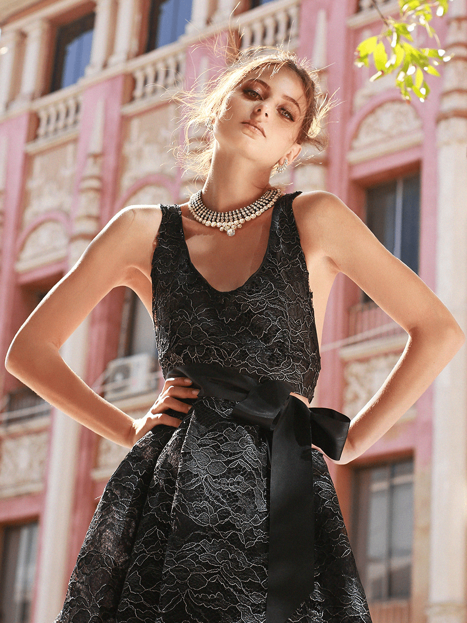 model-02-black-dress-alluring-yoenpaperland